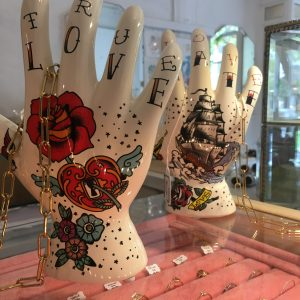Main Tatouée Décoration Céramique Rose Coeur Bateau Happy Sisyphe Boutique Lyon