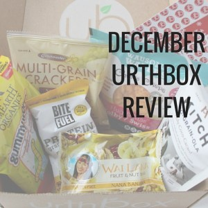 Urthbox Review: Wai Lana fruit and nut bar, Crunchmaster multi-gran crackers, Bite Fuel Protein granola trail mix, Kitch No-Grain-Ola holy-coco-cacao, Wausome Wafers cheese crisps, and Yum Earth Organics gummy worms.