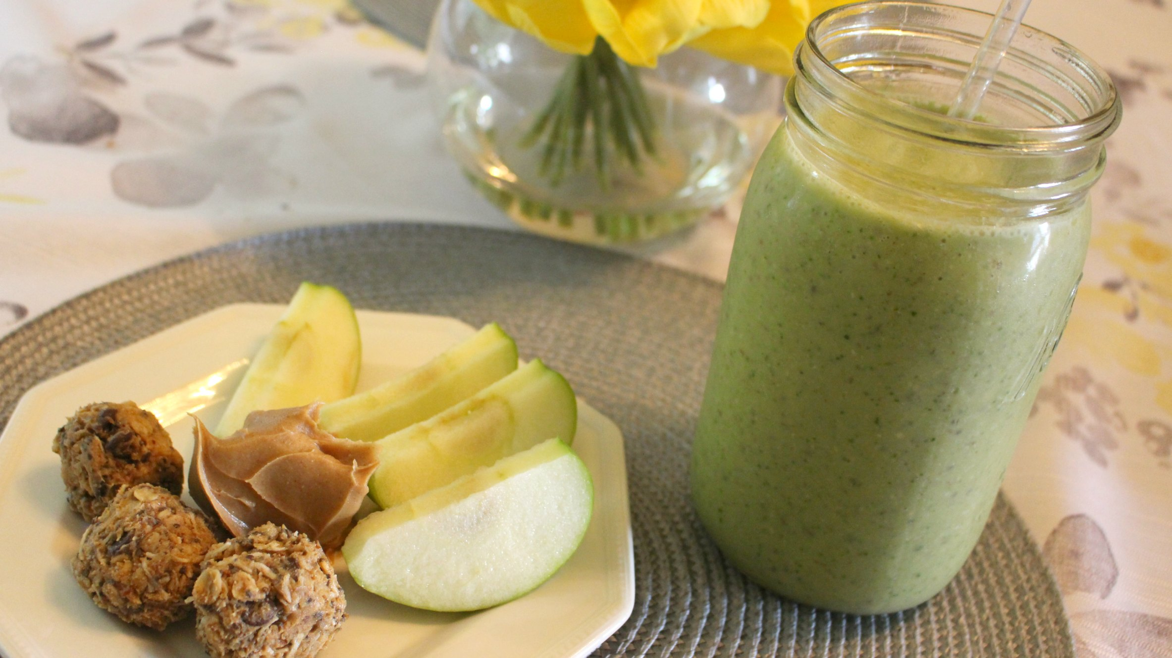 Lactation boosting recipe for breastfeeding moms. Tasty green smoothie to help boost milk production.