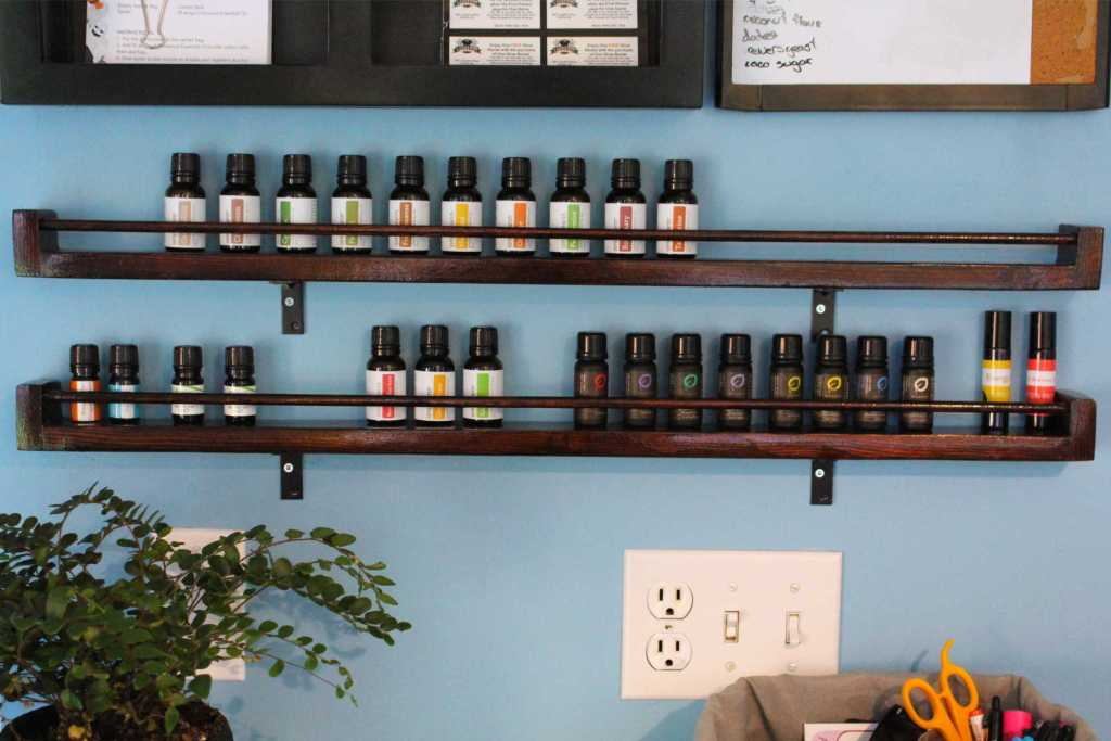 DIY Shelves for your essential oils. #EssentialOils #DIY #HomeDecor