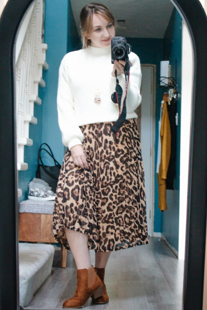 Outfit 5 - Leopard Cozy. 8 Fall outfits from 12 pieces.