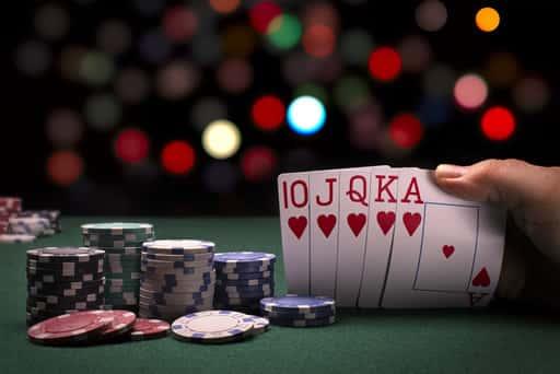 ポーカーは、頭脳的なギャンブル!