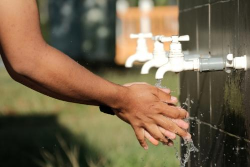 Hukum Bersesuci Dengan Air Daur Ulang Limbah