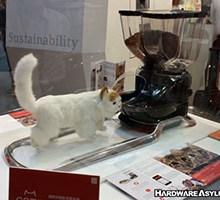 Computex 2015 CatFi – The Intelligent Cat Bistro