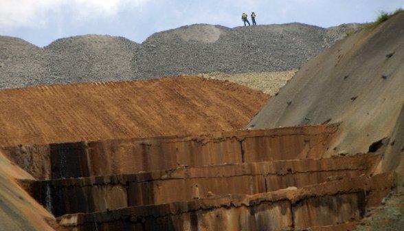 newmont_mining_corp_copper_gold_mine_indonesia_20140724_840_480_100