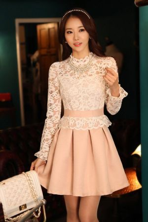 Dress Pesta Korea dengan Model Rok A Line