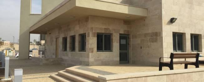 מבנה בית הכנסת הראשון בחריש