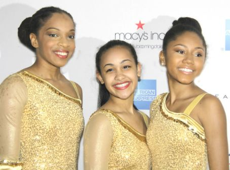 Skaters at Figure Skating in Harlem gala_Photo Credit_Sue Coflin Max Photo