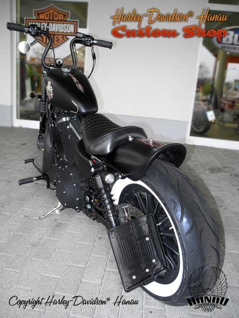 Sportster Iron 883 R Umbau Angry Piston Custombike