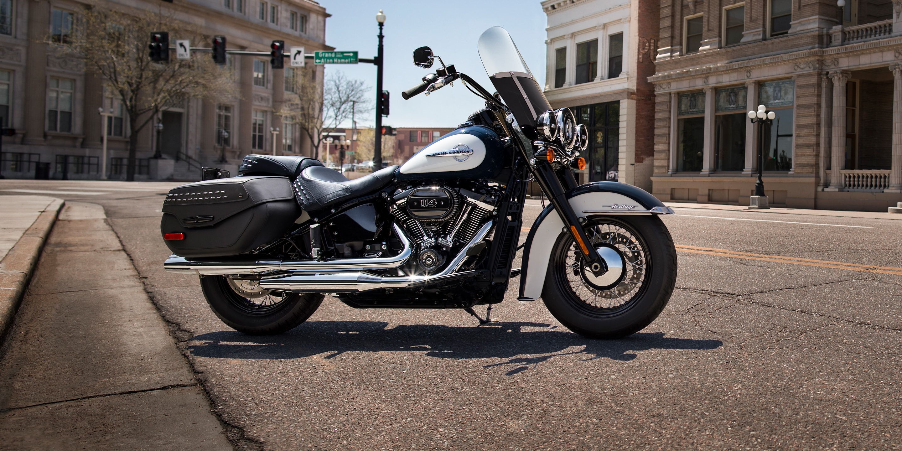 2019 Harley Davidson Heritage Classic: Pictures Specs and