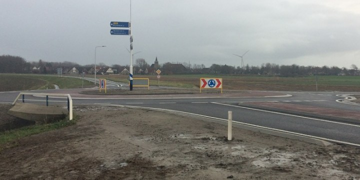 Rotonde Zuidwalweg vergroot veiligheid toegangsweg Harlingen