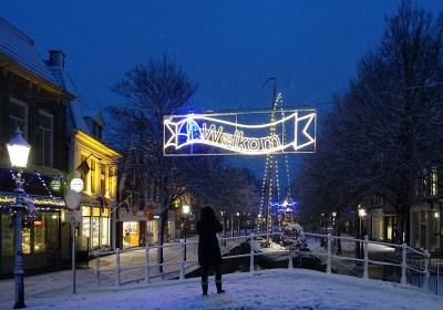 Harlinger binnenstad voorzien van feestelijke verlichting