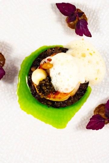 Coquille, duxelles, olijfolieschuim en kaviaar