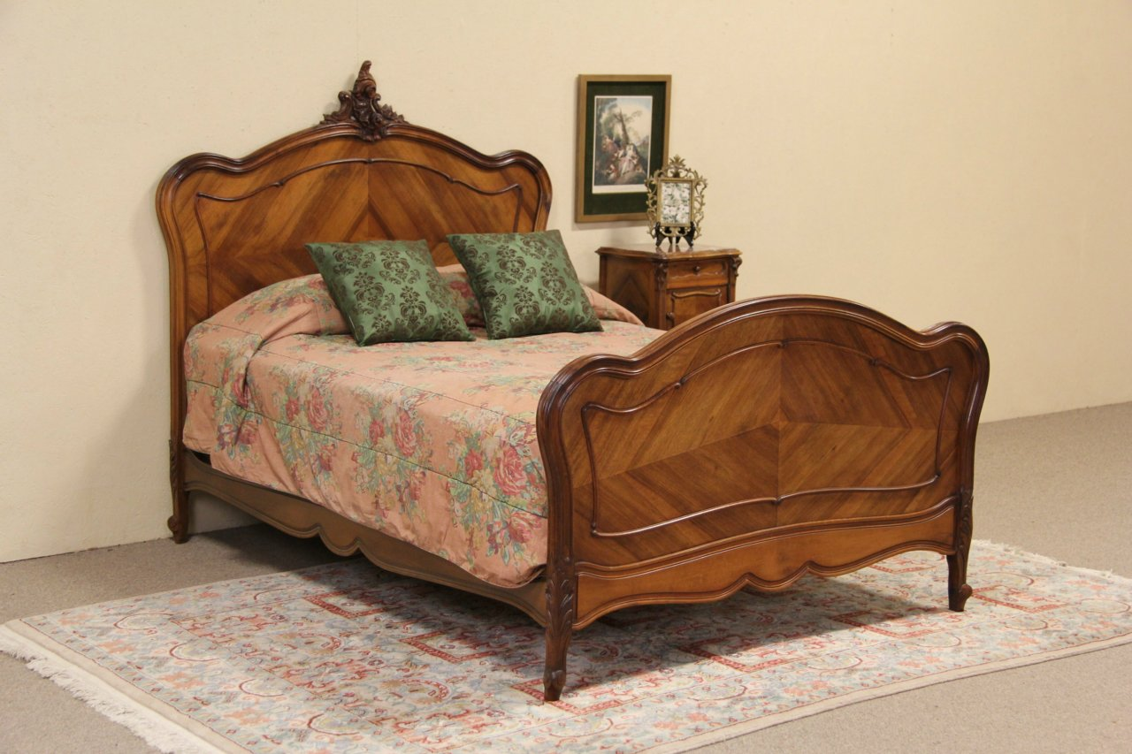 SOLD Carved French Walnut Full Size Antique 1900 Bed Harp Gallery
