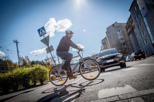 Tarkasti risteyksissä – huomioi pyöräilijä ja tunne säännöt