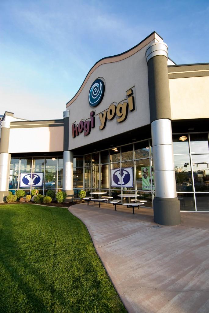Hogi Yogi Strip Mall Harris Architecture