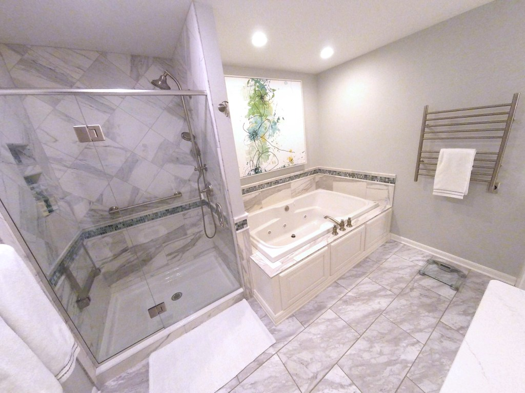 Luxurious Spa-Like Master Bath (B-113)