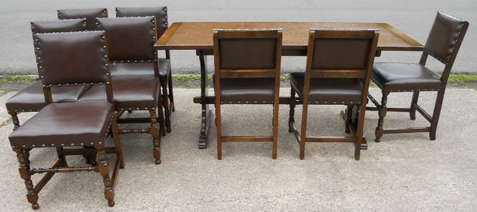 Set Of Eight Tudor Style Dining Chairs Amp Matching Dining