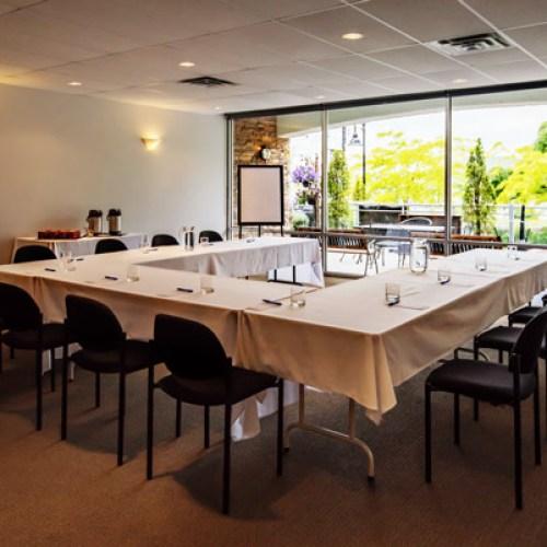 harrison-beach-hotel-meeting-room