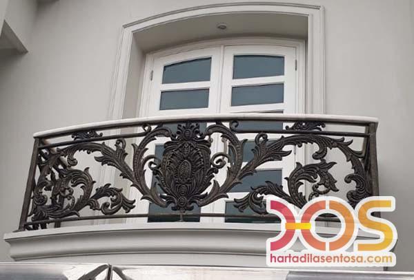Pagar Balkon Besi Klasik