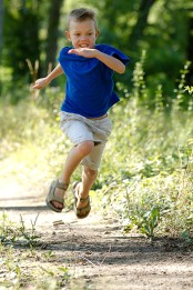 boy-running-harun-rabbani-blog