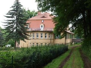 Bild: Das Schloss der Familie von Knigge in Harkerode.