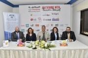 باسم يوسف يقدم عرضا مسرحيا سياسيا ساخرا في عمان
