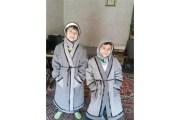 لاجئات في الزعتري يصنعن من البطانيات ألبسة دافئة لأبنائهن