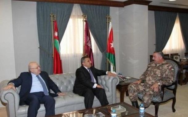 غرفة تجارة عمان تقدم 100 ألف دينار لصندوق دعم أسر الشهداء