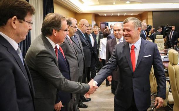 جلالة الملك عبدالله الثاني يزور رئاسة الوزراء