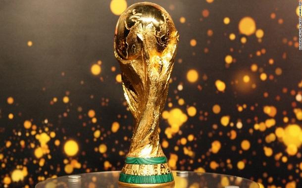 فيسبوك وتويتر وسنابشات .... توجّه لبث مقاطع من كأس العالم