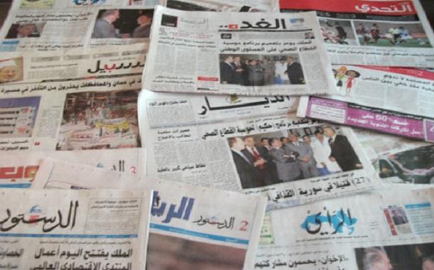 إعلاميون: رفع سعر الإعلان الحكومي لا يكفي وحده لإنقاذ الصحف الورقية