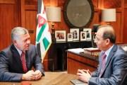 جلالة الملك يتحدث لوكالة الأنباء الأردنية ...... الملك : لن يقوم أحد بمساعدتنا إن لم نساعد أنفسنا أولا