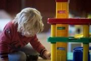 إبداع الأطفال يتناسب عكسا مع عدد ألعابهم