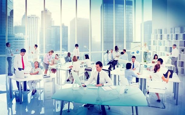 عادات يجب تجنبها في بيئة العمل