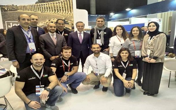 الرئيس التنفيذي لمجموعة بتلكو البحرين يزور الجناح الأردني في مؤتمر برشلونة