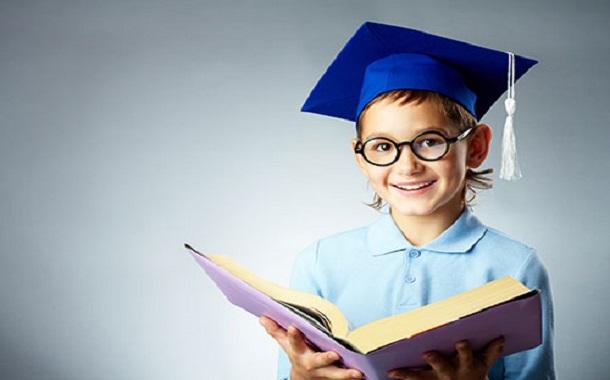 نصائح تربوية لجعل طفلك ذكيا وناجحا