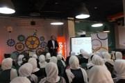إنجاز وميناآيتك ينظّمان زيارة لطالبات مدرسة جاوا الثّانوية لمجمّع الحسين للأعمال