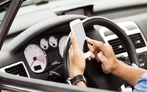 10 آلاف مخالفة استعمال الهاتف أثناء القيادة في الشمال