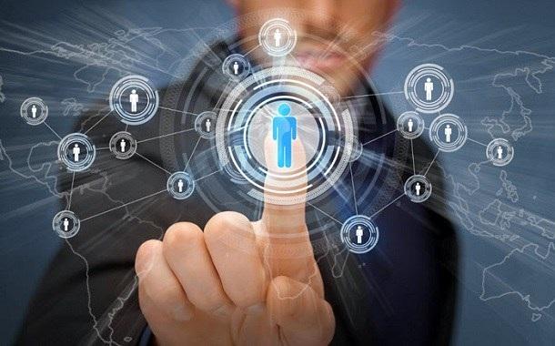 دراسة تكشف تزايد اعتمادية وإنفاق العالم على تكنولوجيا المعلومات