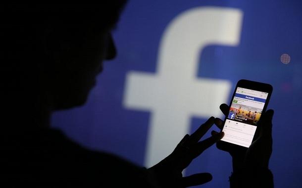 ''فيسبوك'' تكتسح قائمة التطبيقات الأكثر تحميلا