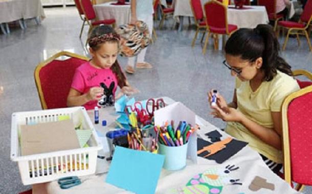 ''بيت الأقلام''....... أطفال يبتكرون وسائل تعليمية لتطوير مهاراتهم