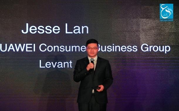 Huawei تقيم حفل إطلاق خاص لمنتجاتها الجديدة - صور
