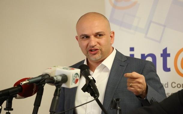 غرايبة: الحكومة تبحث عن تحالف عربي لفرض ضريبة على الفيسبوك