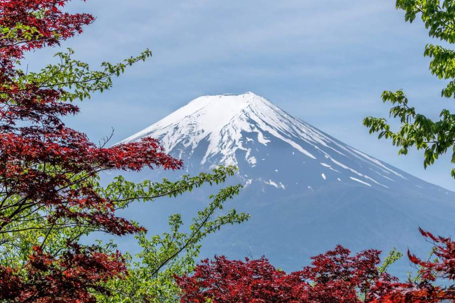 Mount Fuji is the 3776m high mountain that you can see from the city of Tokyo, Japan