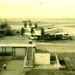 ノースウエスト航空のロッキードL1649スーパーコンステレーション 4発レシプロ国際線機。1957年(昭和32年)。(倉)