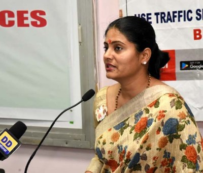 New Delhi: Union MoS Health and Family Welfare Anupriya Patel addresses at the symposium cum exhibition on 'Dialogue with Organs for Allied Health Force – A step to enhance cognitive skills', at Vardhman Mahavir Medical College and Safdarjung Hospital, in New Delhi on Oct 4, 2018. (Photo: IANS/PIB)