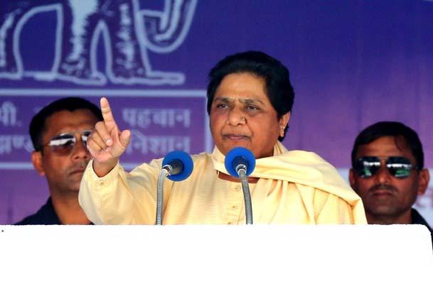 Jaipur: BSP chief Mayawati addresses a public meeting in Jaipur on Nov 26, 2018. (Photo: Ravi Shankar Vyas/IANS)