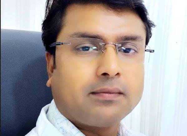 Dr Mukesh Cosmetic & Plastic surgeon Yashoda superspeciality hospital