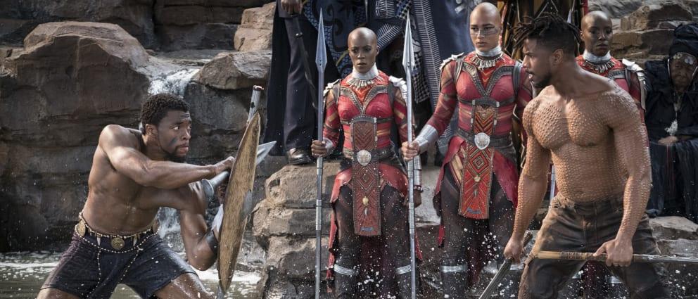 Luta Chala (Chadwick Boseman) e Killmonger (Michael B. jordan)